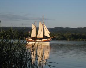 Sétahajóval a Keszthelyi-öbölben